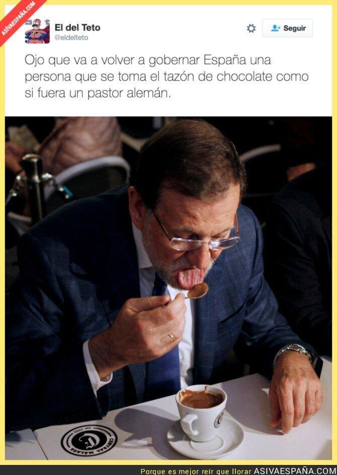 56059 - Rajoy y su forma de tomar una taza de chocolate