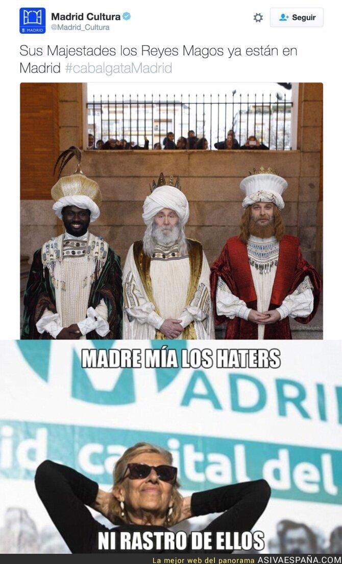 60226 - Ya no le pueden ni criticar los Reyes Magos a Manuela Carmena