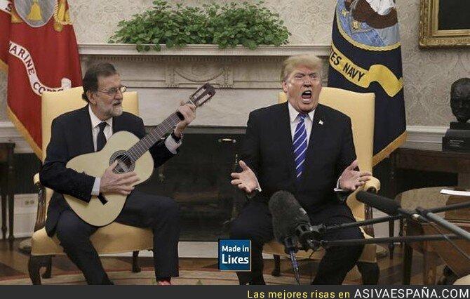 75726 - Trump aprendiendo cantar flamenco