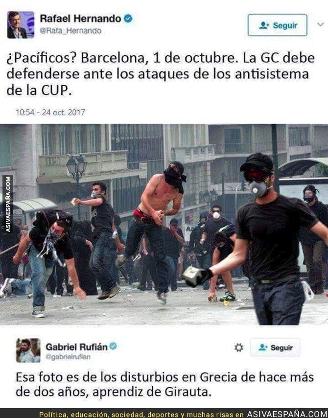 77762 - Rafael Hernando publica esta foto haciendo creer que es de Barcelona y le dejan retratado