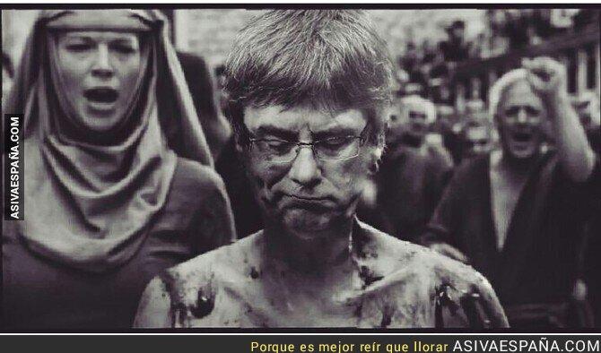 78098 - Puigdemont tras proclamar la República