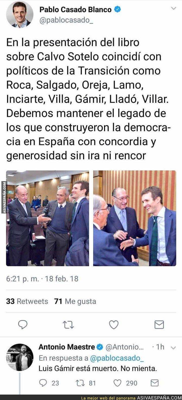 82993 - Pablo Casado comparte esta foto y dice haberse reunido con una persona y le pegan un ZAS monumental
