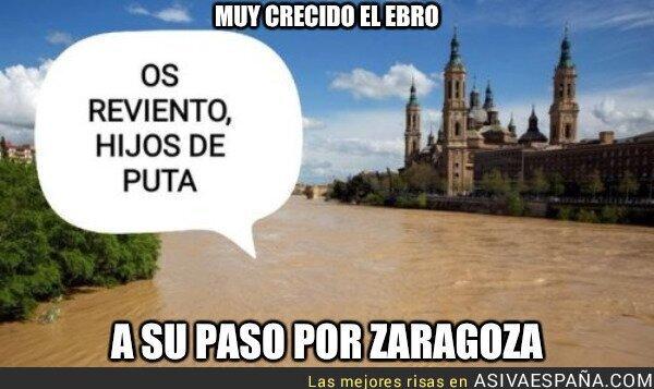 85638 - Muy crecido el Ebro a su paso por Zaragoza