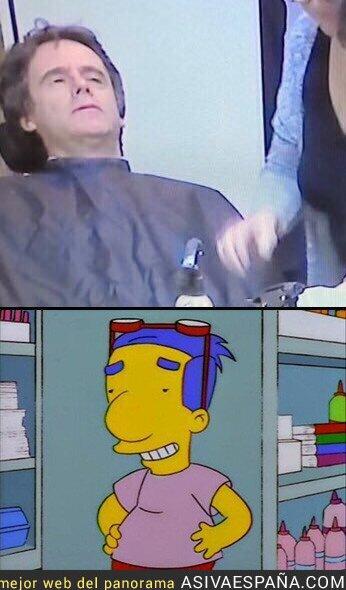 85649 - Puigdemont a punto de ser maquillado y sin gafas da realmente miedo