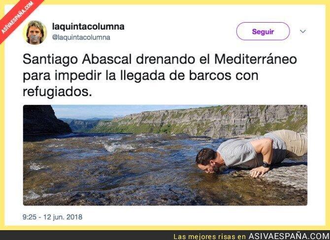 88299 - Santiago Abascal salvando España de los inmigrantes