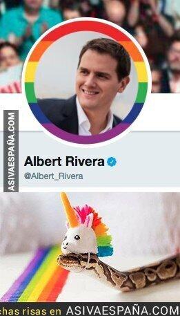 88991 - Así se ve Albert Rivera con la bandera LGTBI