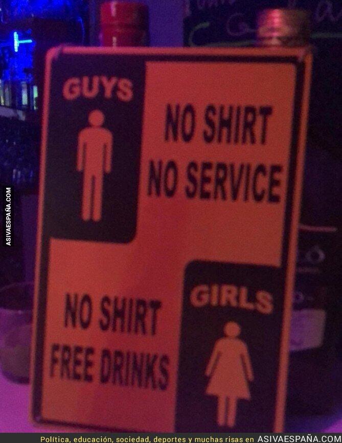 89820 - El lamentable cartel en una discoteca de Magaluf intentando atraer público femenino