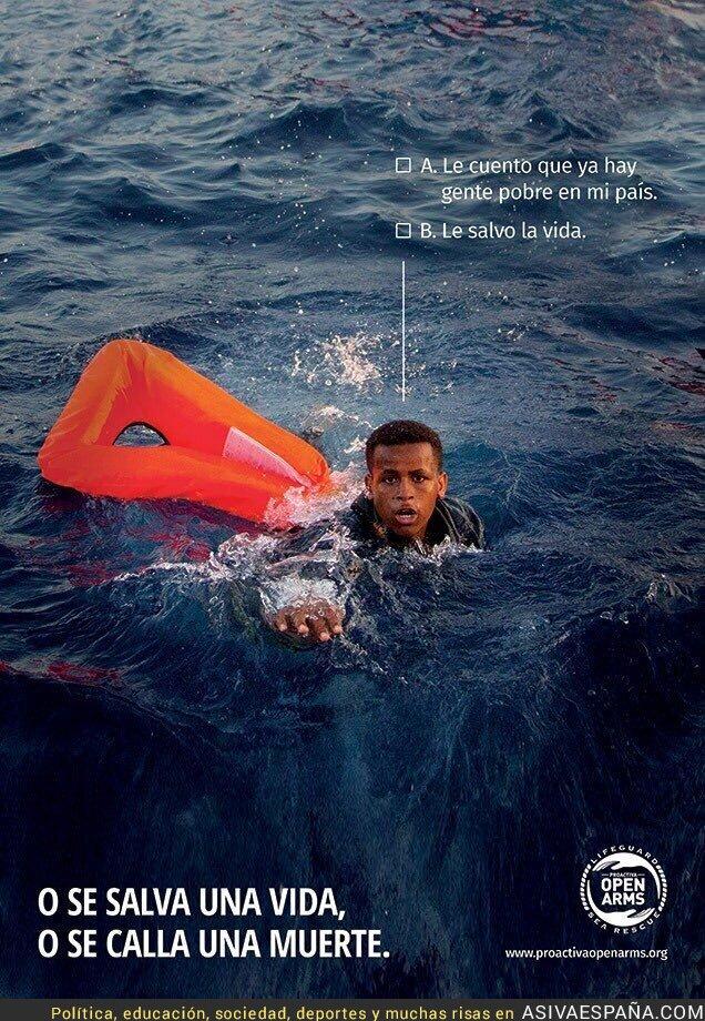 90920 - Las dos opciones que hay al ver a un refugiado a punto de morir en alta mar