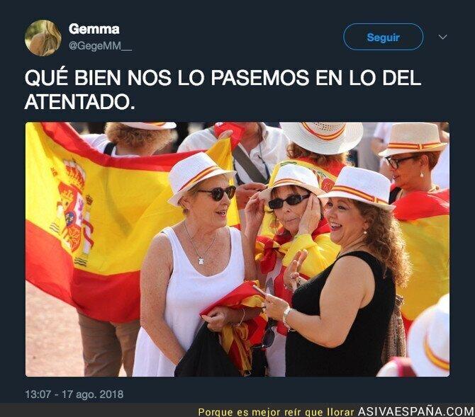91346 - Diversión máxima en Plaça Catalunya por la gente de Tabarnia en el aniversario del atentado de Las Ramblas