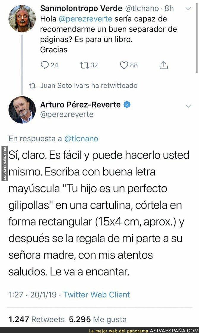 103020 - Arturo Pérez-Reverte recomendando un separador de páginas