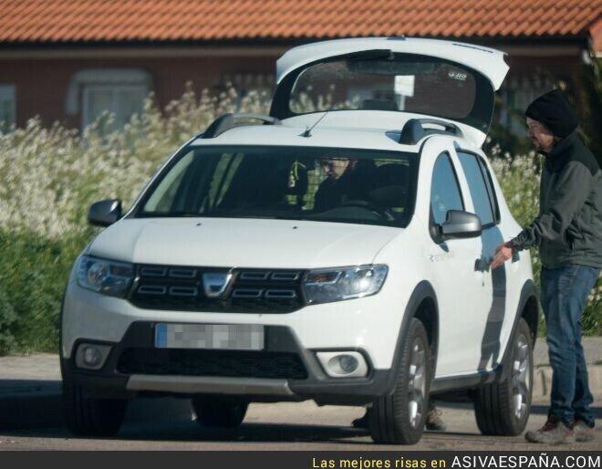 112430 - Pablo Iglesias tiene coche privado, en vez de usar transporte público