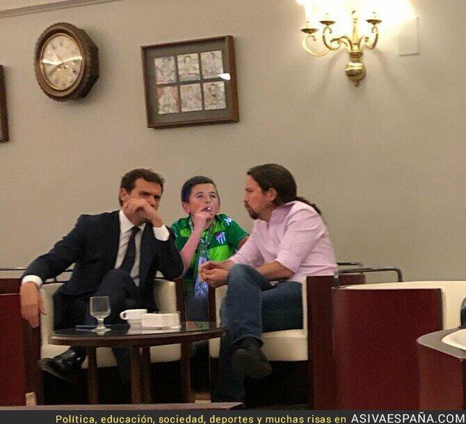121578 - Mientras tanto en la cafetería del Congreso...