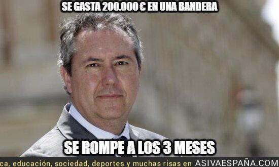 128172 - Juan Espadas tirando el dinero