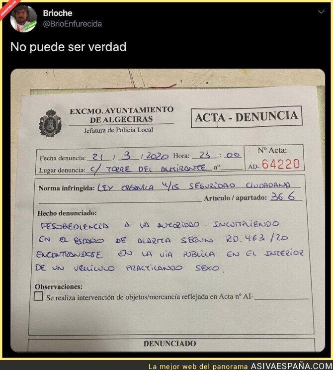 139407 - La insólita multa de la Policía a una pareja por estar montándoselo dentro de un coche