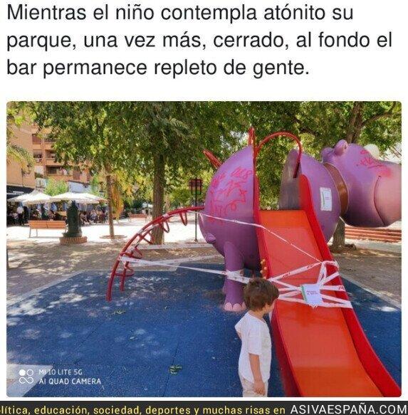 376531 - Así de surrealista es todo en España