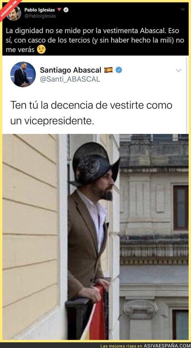 405350 - El revés brutal de Pablo Iglesias a Santiago Abascal por esta foto y sobre el servicio militar que no hizo