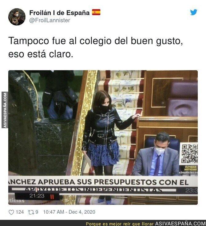 493014 - Adriana Lastra y sus formas de vestir en el Congreso