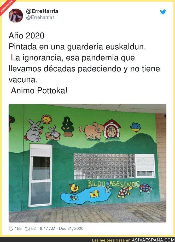 515180 - Es demencial hacer pintadas donde hay niños