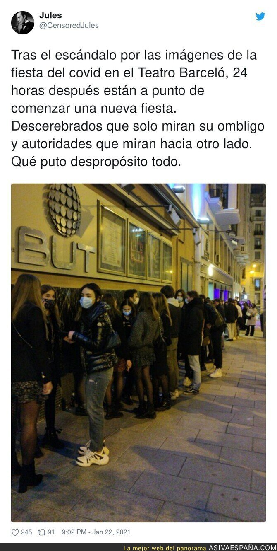 564624 - La Policía pasa de hacer nada contra el Teatro Barceló