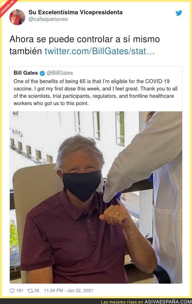 564911 - Bill Gates también se vacuna y se implanta sus chips