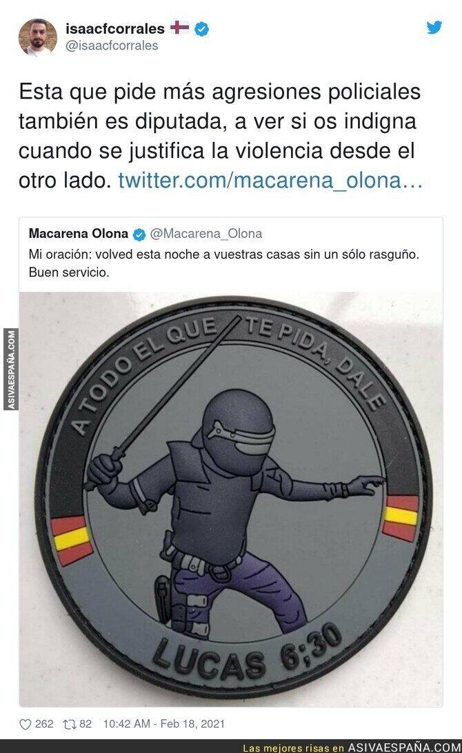 608023 - Macarena Olona aplaudiendo los porrazos de la Policía