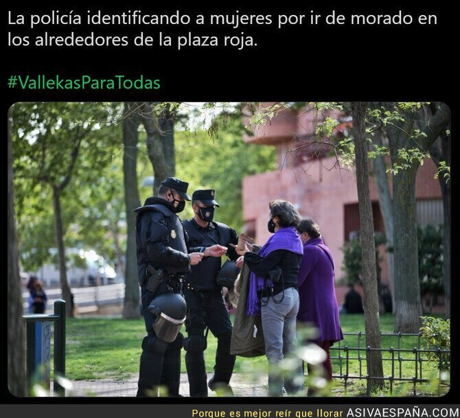687259 - En España eres sospechoso si vas de morado
