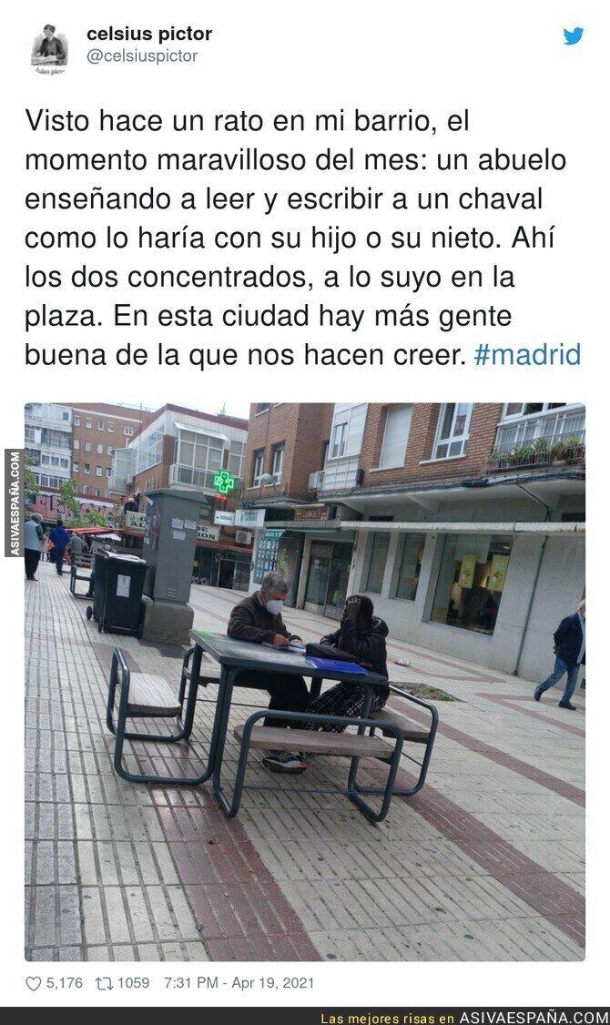 708526 - Bonita imagen vista en Madrid pese al odio que muchos quieren sembrar