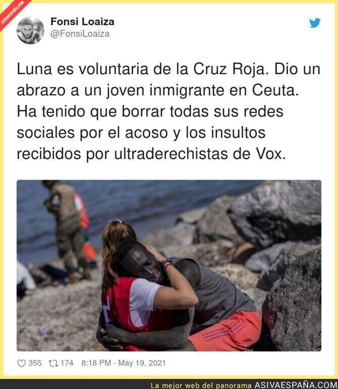 767206 - Acoso y derribo contra todos los que ayudan a inmigrantes. Que lástima...