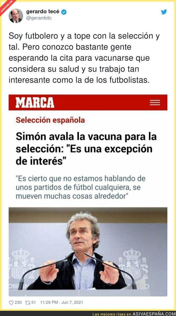 790597 - Fernando Simón ve bien que se vacune a la selección española