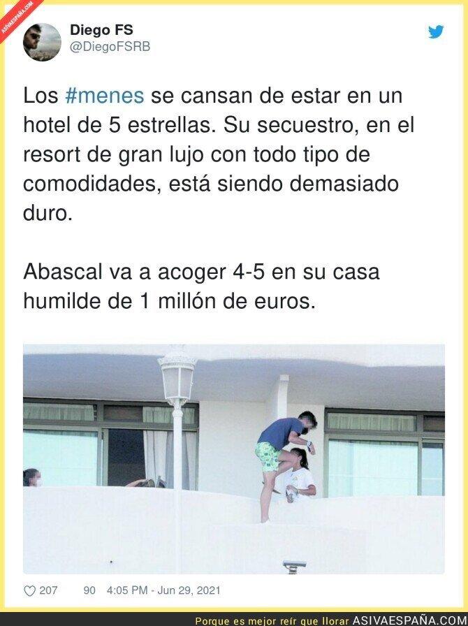 815573 - Menudos niñatos hay en el hotel de Mallorca