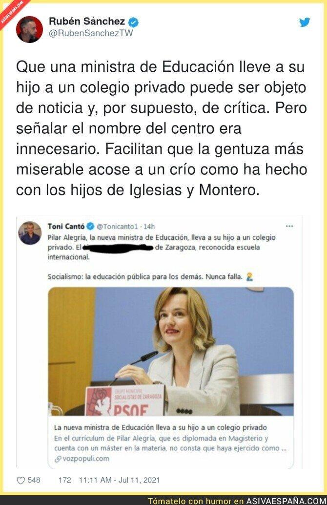 831371 - Es vergonzoso lo del señor que trabaja en la oficina del español