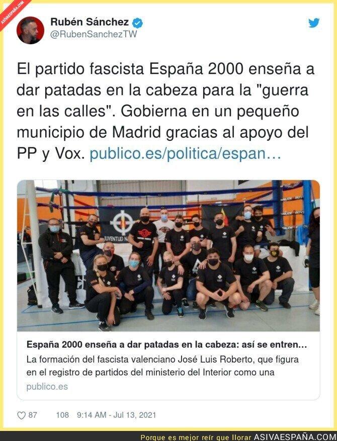 833714 - Esto es España 2000