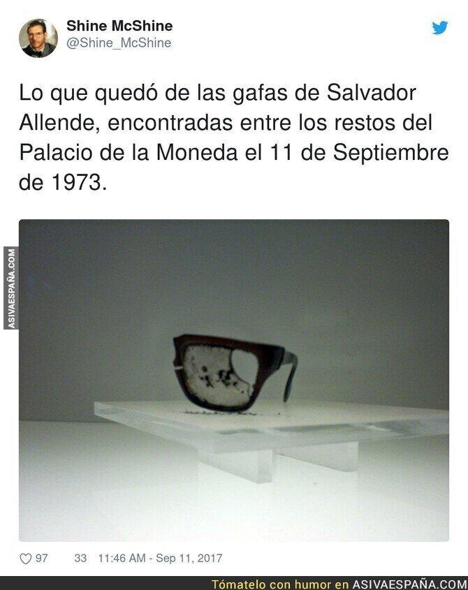 903701 - Imagen demoledora de Salvador Allende