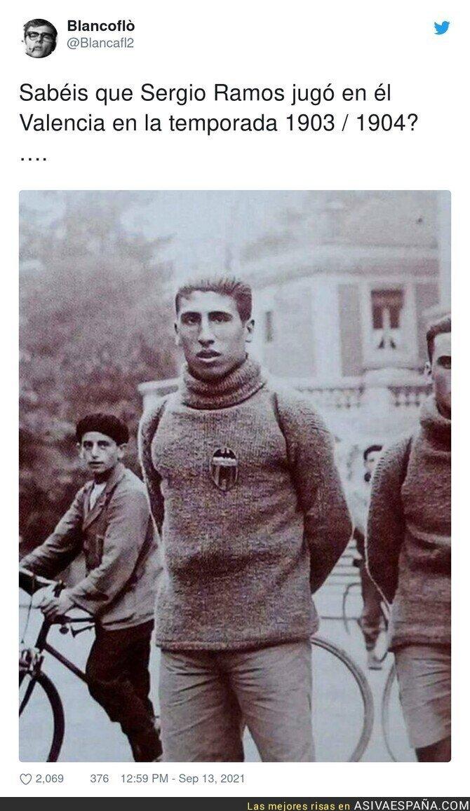 906268 - Ahí Ozil todavía no jugaba al fútbol, estaba en Ferrari, por @Blancafl2