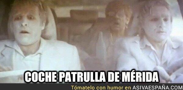 908522 - Coche patrulla de Mérida, por @oostituu