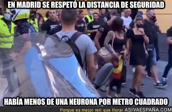 911491 - En la manifestación fascista de Madrid