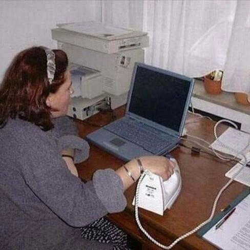 Meme_otros - Mientras tanto, una principiante en esto de los ordenadores