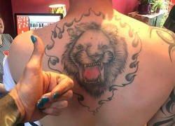 Enlace a Esta gente se hicieron un destrozo haciéndose unos tatuajes que dan vergüenza ajena