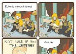 Enlace a Echo de menos internet