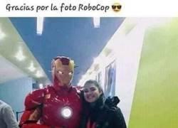 Enlace a Gracias Robocop