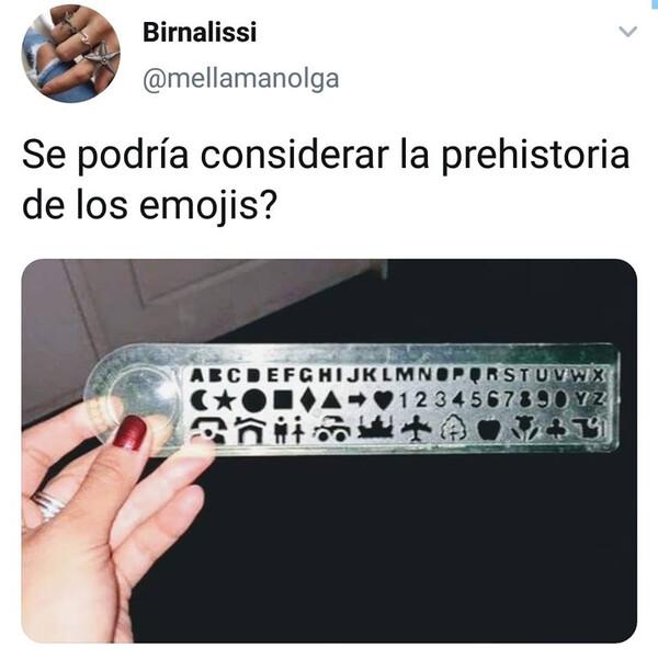 Meme_otros - Los emojis primigenios