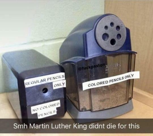 Meme_otros - ¡Eres un racista de los lápices!