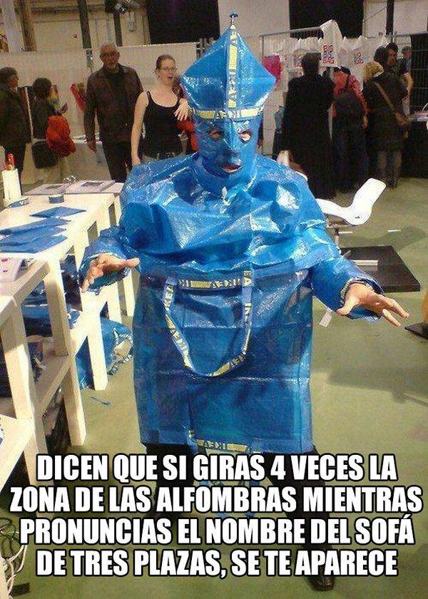 Meme_otros - El papa Emeritus deja Ghost y se pasa a Ikea
