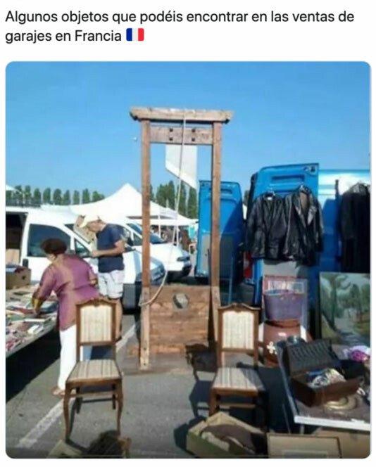 Meme_otros - La guillotina es el acontecimiento fundador de la democracia.