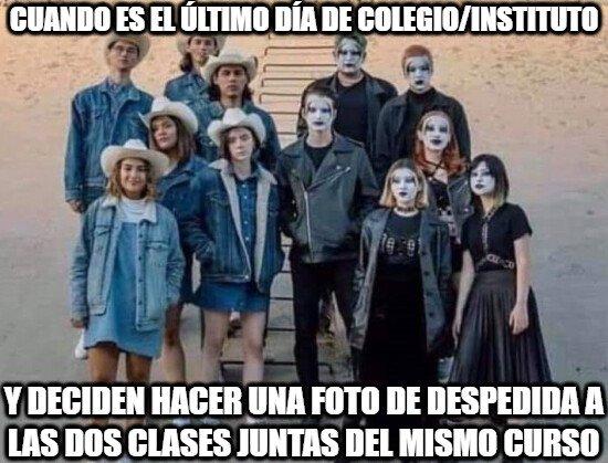 Meme_otros - Esas fotos conjuntas de las dos clases tan dispar siendo del mismo curso...
