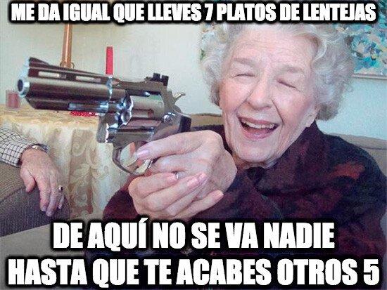 Abuela_amenazas - O te mata empachado o te mata de un tiro