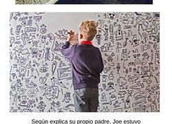 Enlace a Un restaurante le pide a un niño que pinte en sus paredes