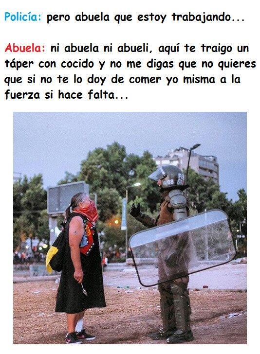 Meme_otros - Abuela vs Nieto-policía... vemos una clara vencedora...