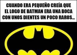 Enlace a El logo de Batman no es lo que parecía