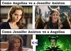 Enlace a Como Aniston ve a Jolie